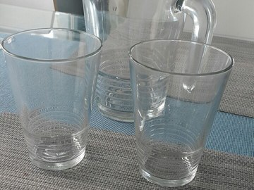 Selling: Jar and 2 glasses