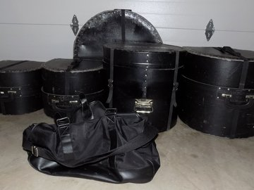 "for pickup only: Intermediate or ""Practice"" Drum Shell Kit w/Cases - $300.00"