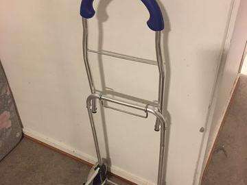 Myydään: cart