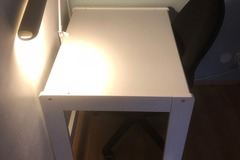 Selling: study table + lamp + chair
