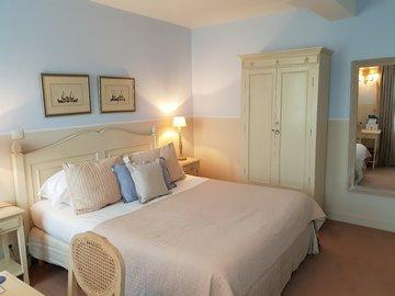 Location par jour: Hôtel Restaurant Les Ormes