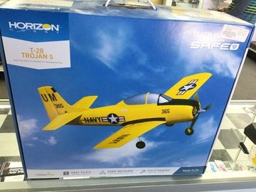 Selling: UMX T -28 Trojan S RTF Airplane