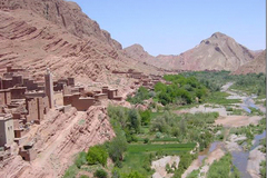 Réserver (avec paiement en ligne): Trek dans la vallée des roses - Maroc