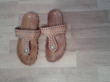 Selling: Nearly new, Sandals shoes,36