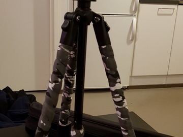 Selling: Camera Stand with bag