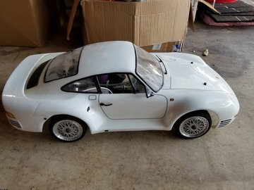 Selling: Kyosho Porsche 959