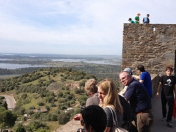 Offering with online payment: Evora - Monsaraz : From the hill to the river