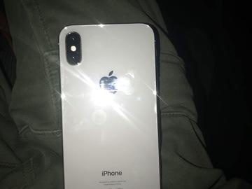 Vente: iPhone X 64g argent