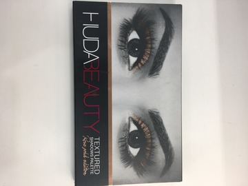 Venta: Paleta de sombras ROSE GOLD ( HUDA BEAUTY )