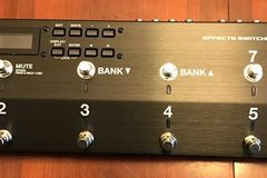 Selling: Boss ES8 Pedal Switching System