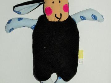 Sale retail: Doudou Mouton Noir - au son des cigales - création originale