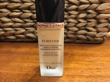 Venta: Base Dior Forever Skin tono 30