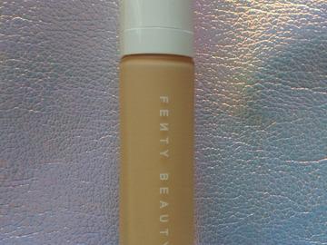 Venta: Fenty Beauty base tono 180