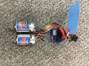 Selling: Dual Motor. EVX 2. By Traxxas