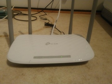 Myydään: WiFi Router TP-Link - Moving out sale