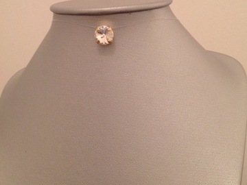 Vente au détail: Collier fil de nylon strass Swarovski 10 mm