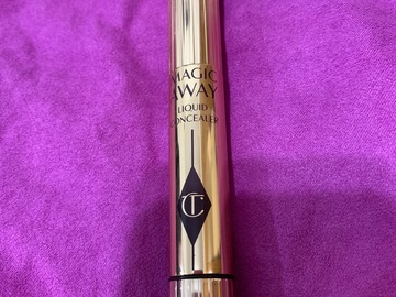 Venta: corrector Charlotte Tilbury Magic away
