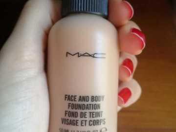 Venta: Face & Body Mac 50 ml tono N5 SIN USO
