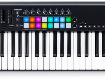 Myydään: Novation Launchkey 61 MK2 -MIDI keyboard