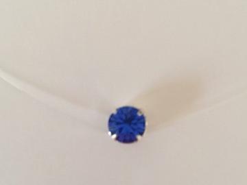 Vente au détail: Collier fil de nylon strass Swarovski bleu saphir