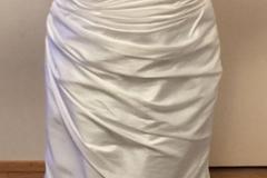 Ilmoitus: Vartalonmyötäinen mekko (iso kuvan mallille)