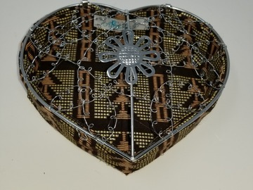 Selling with online payment: Heart Shaped Storage Box (Brown)