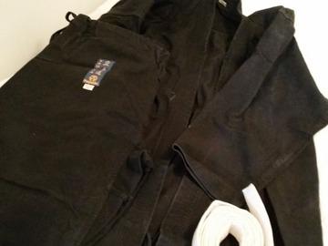 Myydään: Karate suit, Taido suit (180cm)