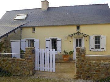 Location par mois: Maison F3 - Theurtheville Bocage (50m²)