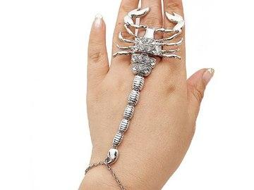 Vente avec paiement en ligne: Exagérée Personnalité Alliage Strass Scorpion Anneaux Pour Femmes