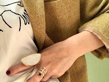 Vente avec paiement en ligne:  Blanc Rose Acrylique Big Déclaration Anneau Partie Femmes Simple