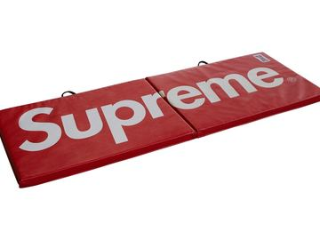 Selling: Supreme Everlast Mat