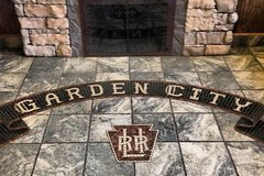 Weekly Rentals (Owner approval required): Garden City NY, Park and walk to the LIRR Station.