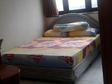 For rent: Middle room for rent Bistari Condominium