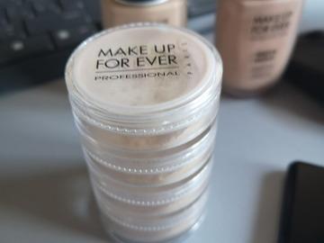 Venta: Torre polvos Makeup forever
