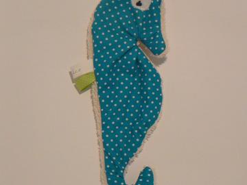 Vente au détail: Doudou de bain - Hippocampe turquoise