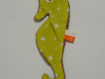 Sale retail: Doudou de bain - Hippocampe vert anis étoilé