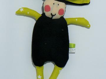 Vente au détail: Doudou Mouton Noir - vert anis étoilé