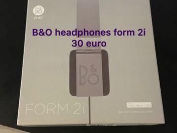 Myydään: headphone
