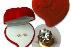 Buy Now: 80 pcs--  Velvet Box with 4mm Crystal Rhinestone Earrings $1.25
