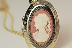"Buy Now: 50--  Lg. Vintage Cameo Locket on 18"" open link chain-- $1.99 ea!"