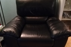 Selling: Miami recliner type chair
