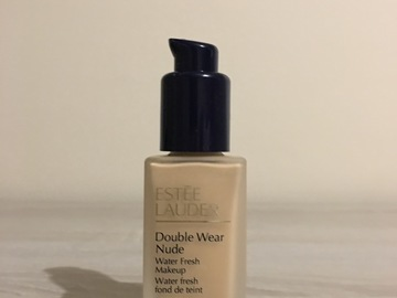Venta: Double Wear Nude con dispensador- Estee Lauder