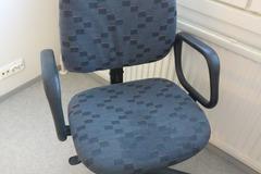 Myydään: Chair (1)