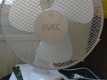 Myydään: Small fan