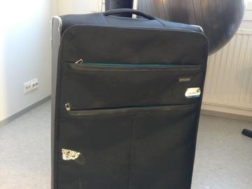 Myydään: Large  suitcase