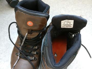 Myydään: Merrell waterproof shoes (size 44 Eu)