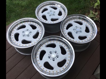 "Selling: 17"" Tracer Tech 2's 5 x 100 et 35"