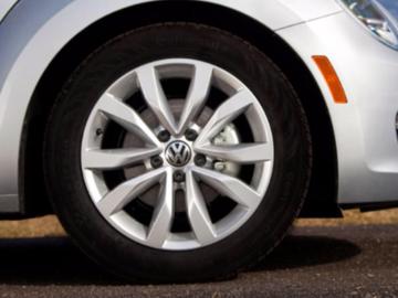 """Selling: OEM Volkswagen Alloy Wheels 17"""""""