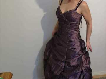 Ilmoitus: Hää/juhla mekko