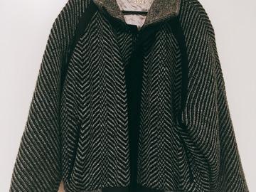 Myydään: A warm coat